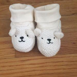 •New• Newborn knit booties 1-2.5 months